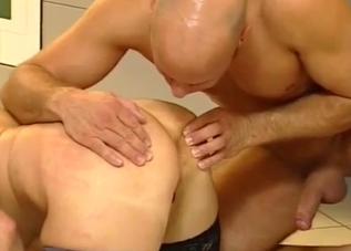 Two men are fucking a fully naked mom