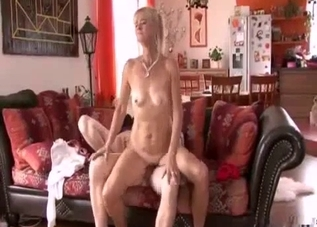 Toned mom hardly fucked in doggy style
