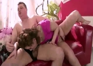 Sexy daughter sucked her daddy on couch