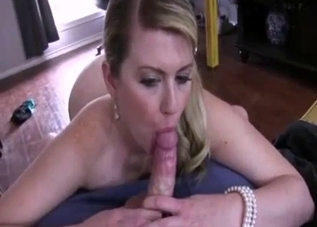 Stepmother performs a gorgeous blowjob