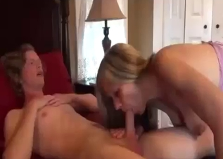 Good auntie performs a good blowjob