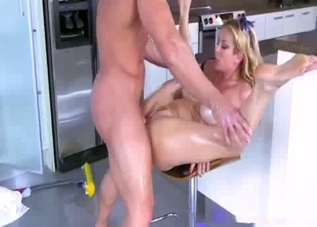 Busty golden mom fucked in hardcore mode